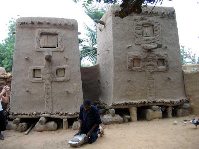 Stockage du grain chez les Dogons